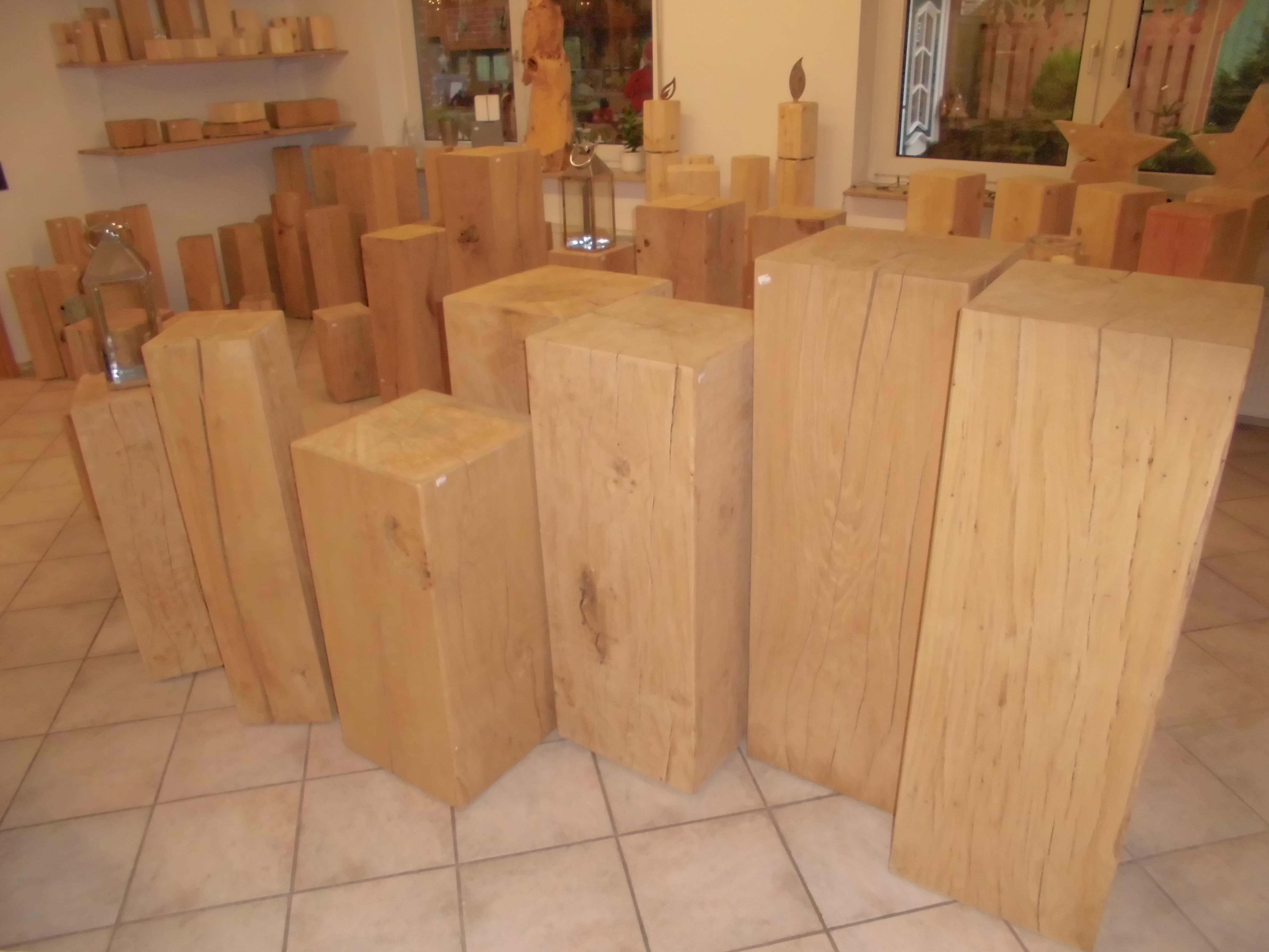 Eichenholzsäule gehobelt, geschliffen, angefast 15x15x40cm
